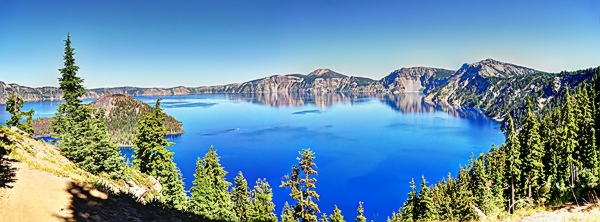 Crater Lake Panorama.jpg